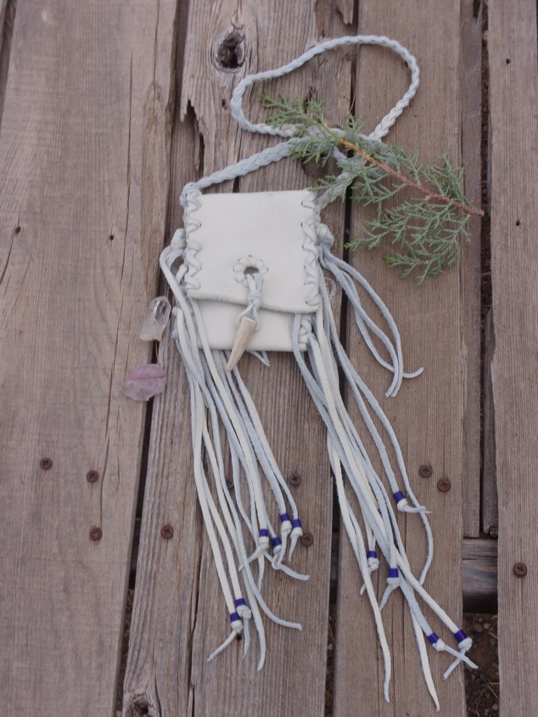 fringed_white_medicine_bag_3_768x1024_1024x1024
